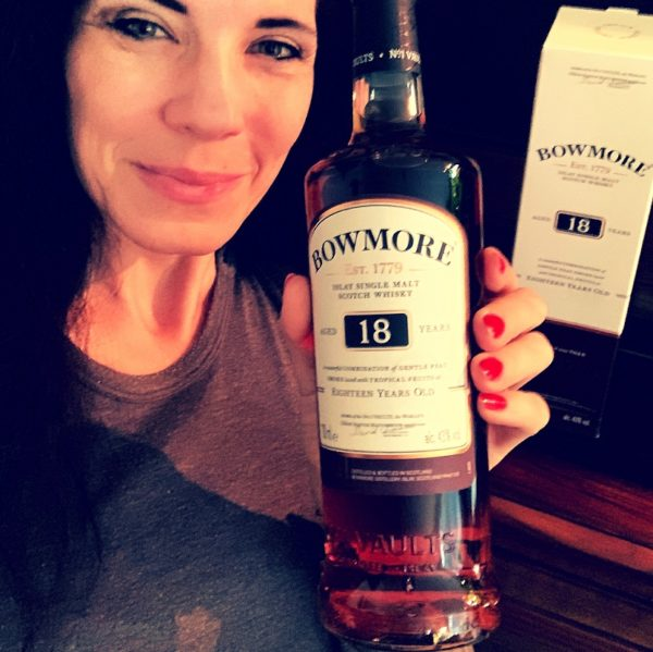 Bowmore 18 years Single Malt with Lady