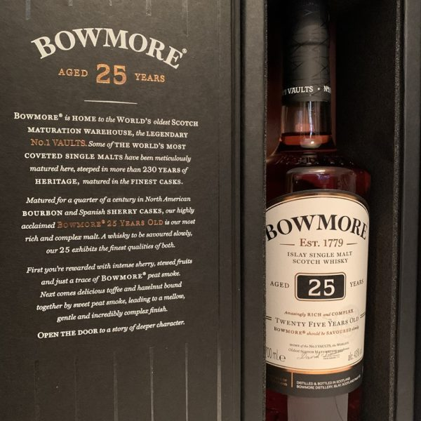 Bowmore 25 years single malt inside nobel package