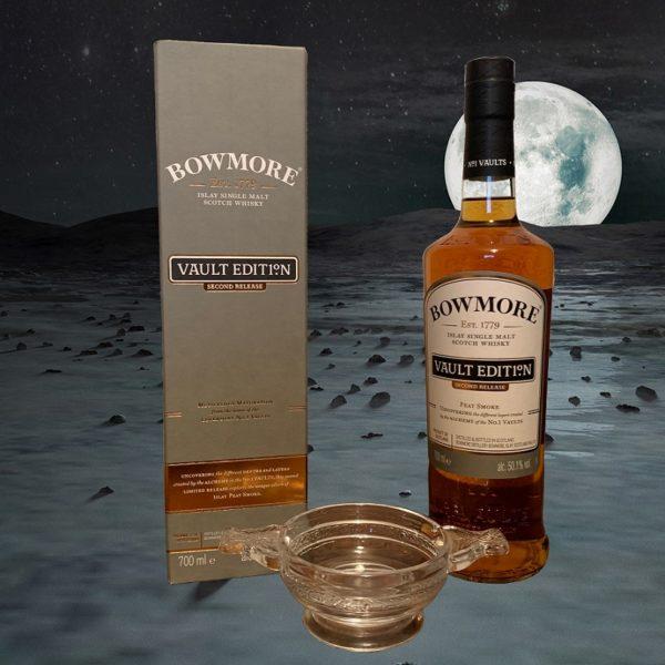 Bowmore Peat Smoke Single Malt ve svitu měsíce