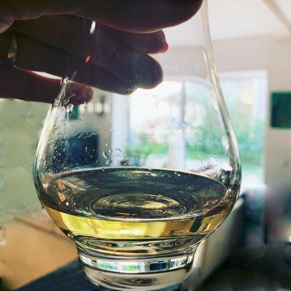 Scapa Distillery Label in nosing glas, light golden color