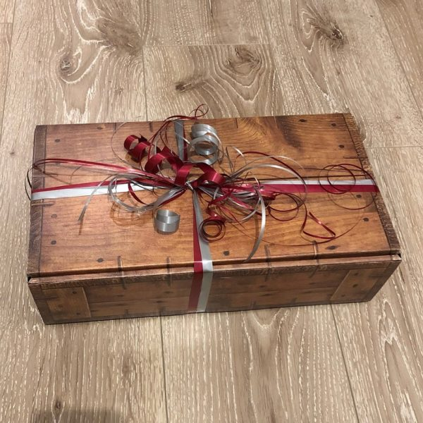 stylish present package of Whisky4you for high quality whisky presents with personal message