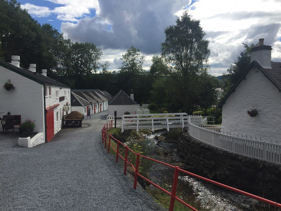 Edradour_Distillery_Area