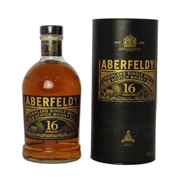 Aberfeldy 16 years Single Malt convinces with a full, round taste, incomparable honey notes and wooden spices, developing on the tongue to dark chocolate.