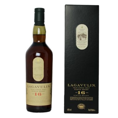 Lagavulin 16 years Single Malt is an old classic of heavily peated whiskys, dark and intensely, with a deep sweetness, sherry and oak aromas.