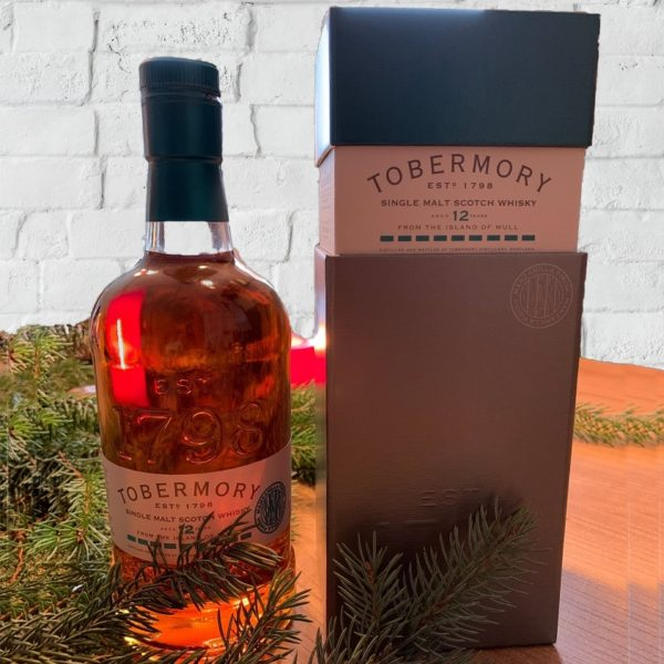 Tobermory 12 years single malt in winter with great color