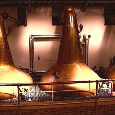 Aberlour 18 years Single Malt mighty stills in the distillery production hall